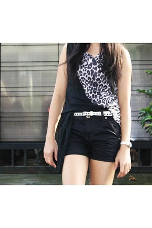 animal print random brand top - black random brand shorts