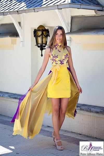 Oana Savescu dress - Solo Donna heels