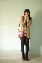 brown sweater - black tights - black doc martens boots - brown purse
