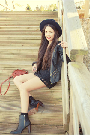 Zara boots - Primark dress - Zara hat - Primark jacket