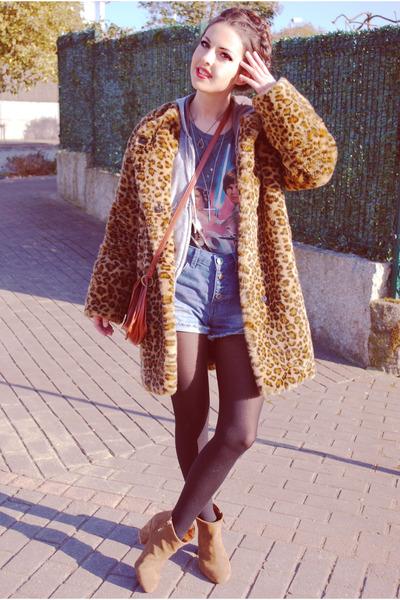crimson Mango coat - bronze Zara boots