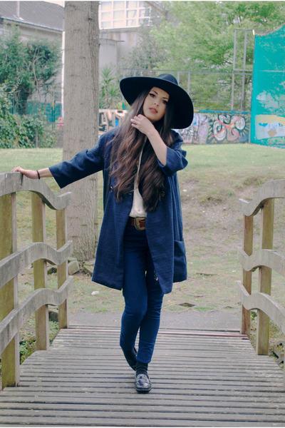 Zara hat - pull&bear coat - Demode Vintage shirt