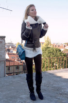 dark brown jacket - black boots - white sweater - dark brown leggings - teal bag