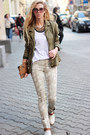 Ivory-boots-eggshell-jeans-army-green-jacket-brown-bag-white-t-shirt