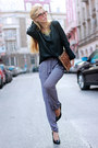 Black-sweater-violet-pants-bronze-accessories-black-heels