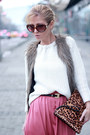 Salmon-skirt-black-boots-white-sweater-bronze-bag-light-brown-vest