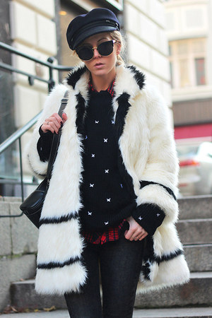 black Choies boots - ivory faux fur coat coat - black Choies sweater