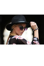 Black-h-m-hat-light-pink-kimono-h-m-blazer-black-h-m-bracelet