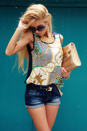 camel pull&bear bag - blue Stradivarius shorts - navy Queens Wardrobe top