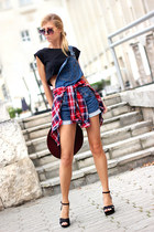 black t-shirt - blue dungarees Sheinside jeans - ruby red shirt