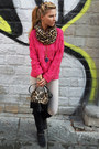 Black-boots-off-white-jeans-hot-pink-sweater-light-brown-scarf