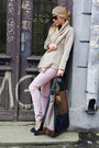 Tan-cardigan-tan-bag-light-pink-pants-black-flats-black-blouse