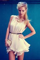 eggshell Queens Wardrobe dress - beige Parfois bag - black Zara belt