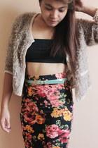 red Forever 21 skirt - black top - light brown fur cardigan