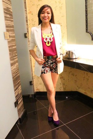 ivory coat - black shorts - magenta top - deep purple wedges