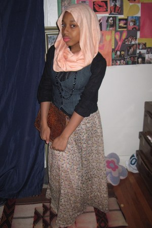 H&M shirt - vintage bag - vintage skirt - H&M necklace - vintage scarf - H&M ves