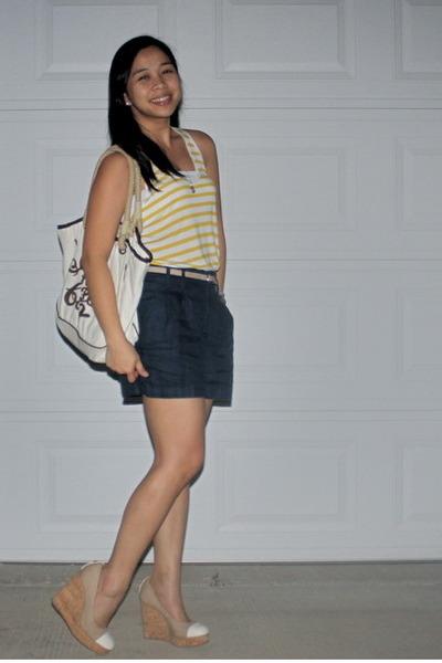 navy Forever 21 shorts - yellow Gap top - neutral Zara belt
