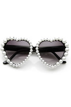 New Beautiful Heart Shaped Pearl Decorated Frame Sunglasses 9110