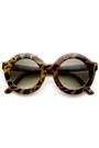 Oversize-round-tortoise-sunglasses