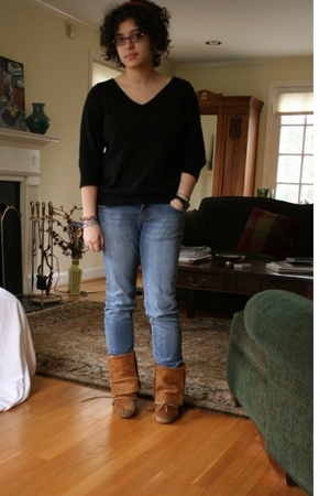 Old Navy sweater - Forever21 jeans - Minnetonka boots