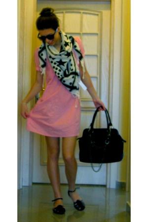 Topshop dress - Zara scarf - Sinquanone purse - Casa Rossi shoes