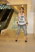 Forever 21 top - Hubbys jeans - Jessica Simpson shoes - random from Hong Kong ac