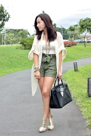Museum Clothing top - Forever 21 shorts - random brand accessories - Shoescom sh