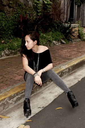 Mango top - UO leggings - sam edelman shoes