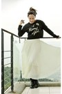 Black-ebay-boots-black-random-from-hong-kong-sweater-ivory-bought-online-ski