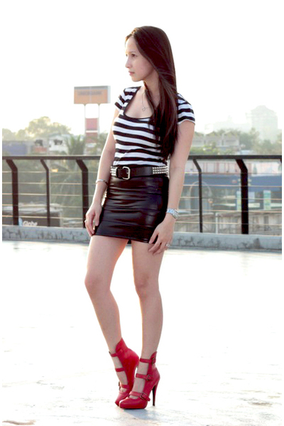 Forever 21 top - Loveculturemultiplycom skirt - Bakerscom shoes - random from Ho