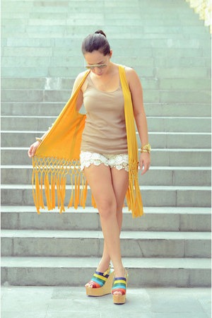 mustard HelloRio vest - neutral bought online shorts - tan Topshop top