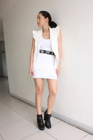 Forever 21 vest - dress - hottopiccom belt - sam edelman shoes
