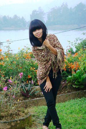 brown handmade scarf - black bought online accessories