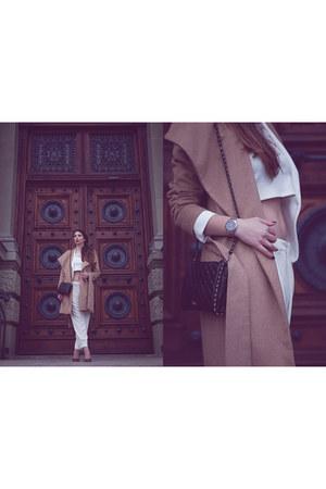 white tailored Zara blazer - camel cropped Mango coat - camel classic Wool coat
