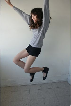 gray LAMixx sweater - black Levis shorts - Forever 21 shoes