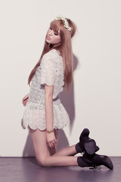 white chelsea monroe dress - black Jeffrey Campbell shoes