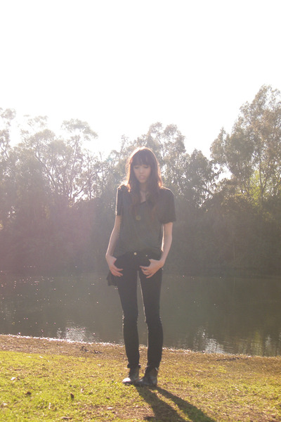 black Forever 21 jeans - black Urban shirt