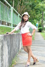 Cream-hat-white-top-carrot-orange-skirt