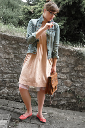 H&M shoes - peach H&M dress - blue denim no brand jacket - tawny vintage bag - s