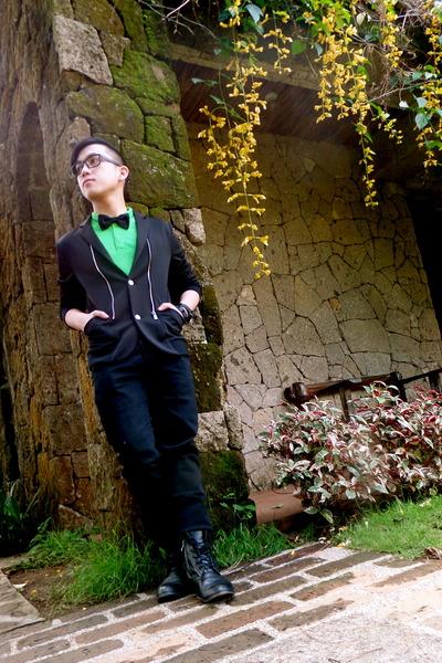 green Folded and Hung top - black mogao blazer - black Armando Caruso tie